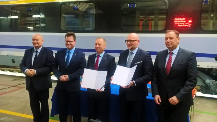 PKP Intercity zmodernizuje kolejnych 60 wagonów!