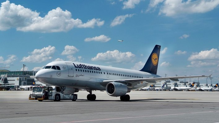 Świąteczna podróż po świecie z Lufthansa!
